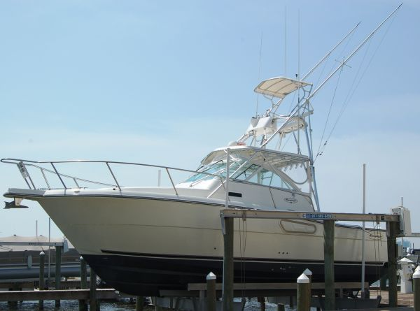 Rampage 30 Express Sports Fishing Boats. Listing Number: M-3542568