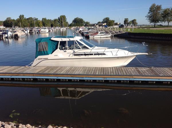 1995 CARVER 280 MID CABIN EXPRESS for sale