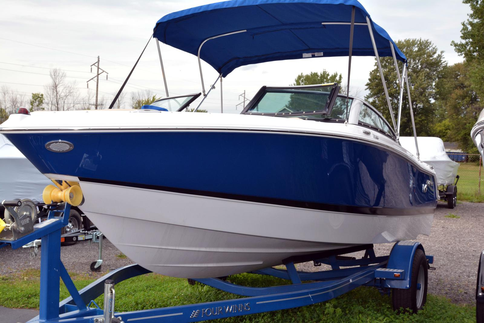 2019 Four Winns boat for sale, model of the boat is Horizon 190 & Image # 1 of 17