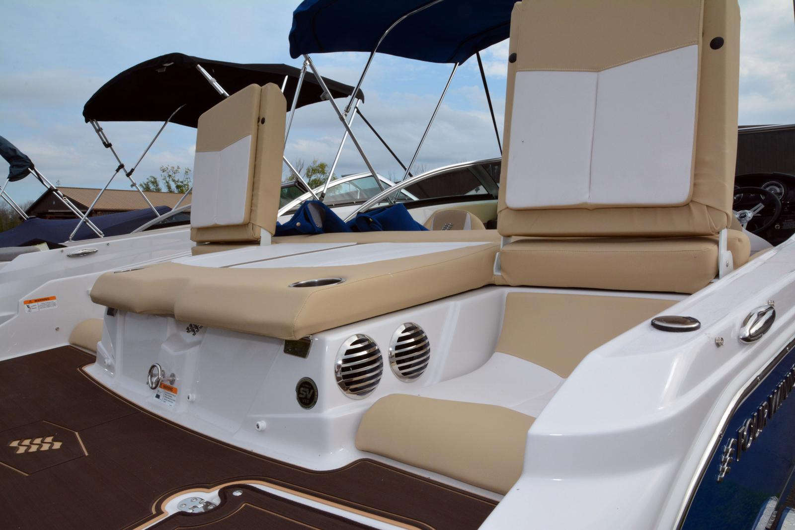 2019 Four Winns boat for sale, model of the boat is Horizon 190 & Image # 3 of 17