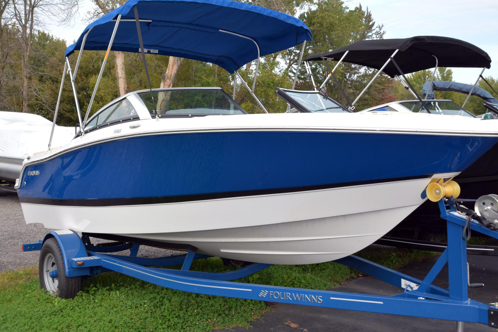 2019 Four Winns boat for sale, model of the boat is Horizon 190 & Image # 5 of 17