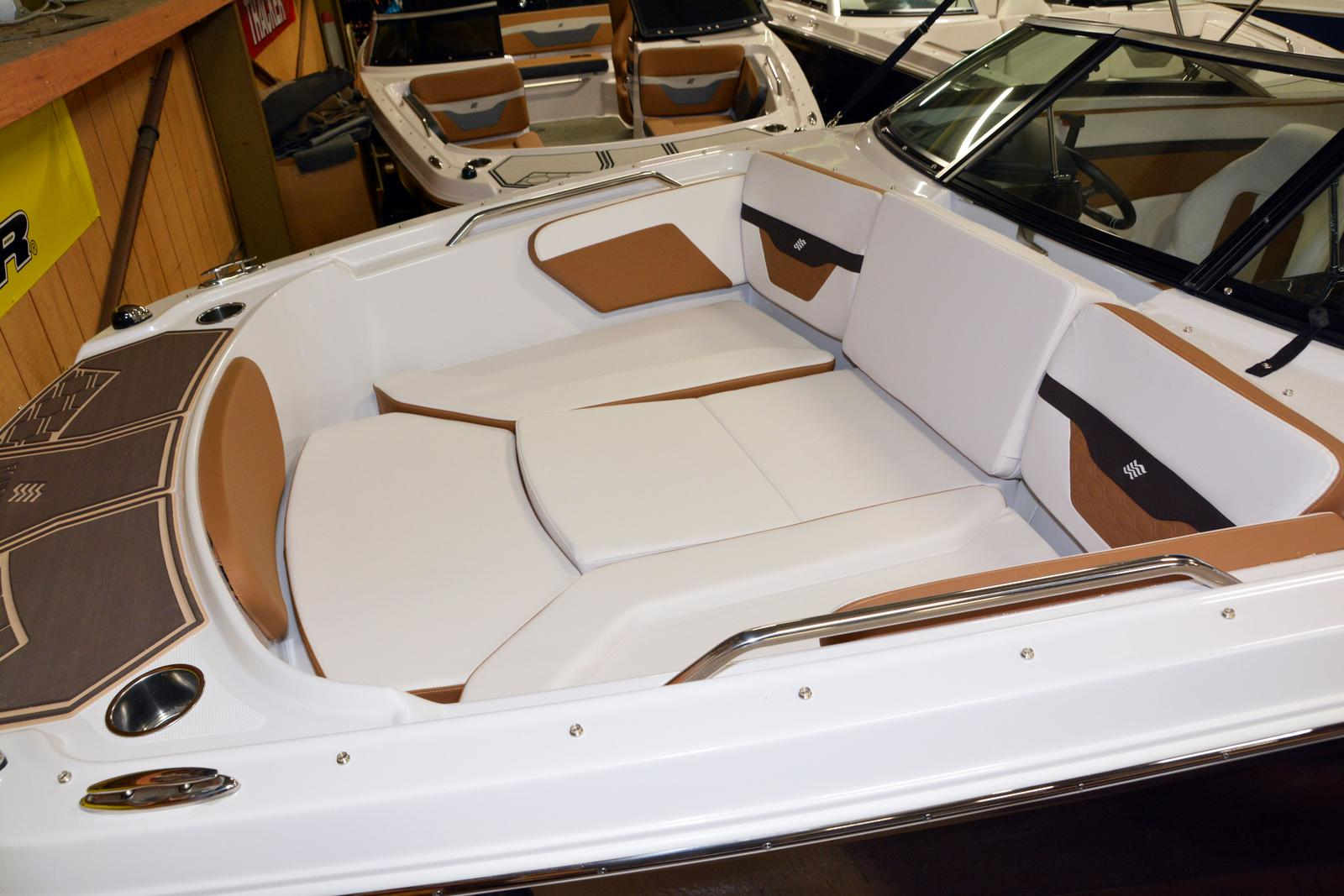 2019 Four Winns boat for sale, model of the boat is HD 180 & Image # 11 of 22