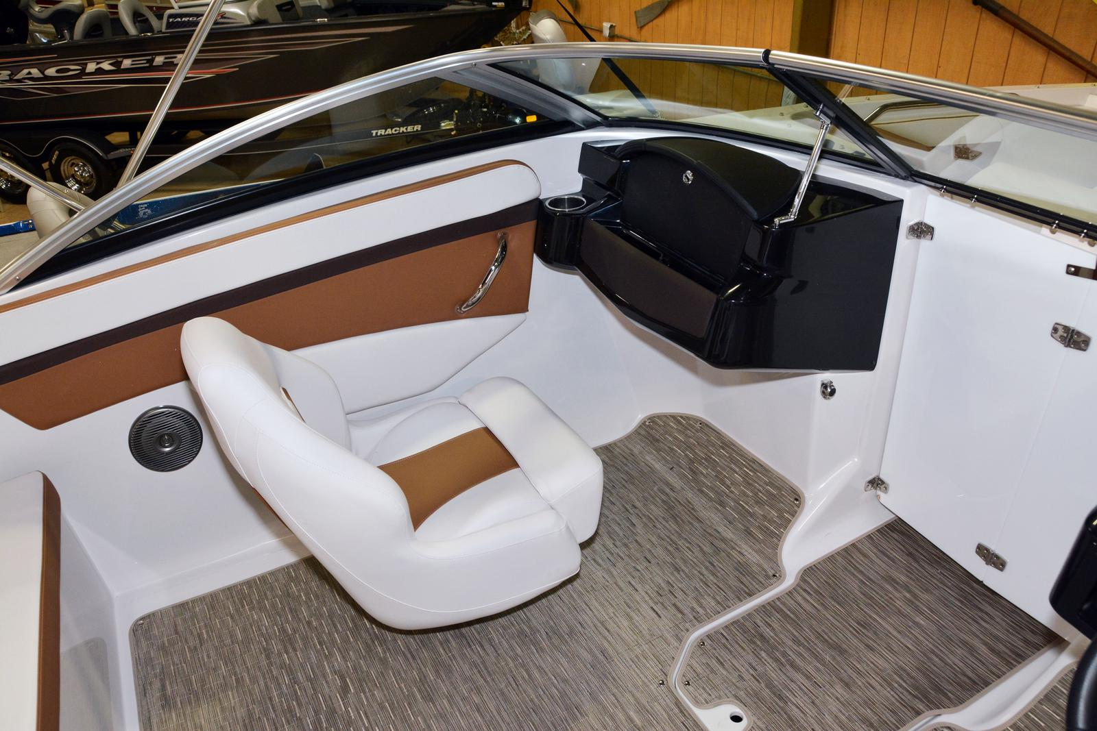 2019 Four Winns boat for sale, model of the boat is HD 180 & Image # 9 of 22