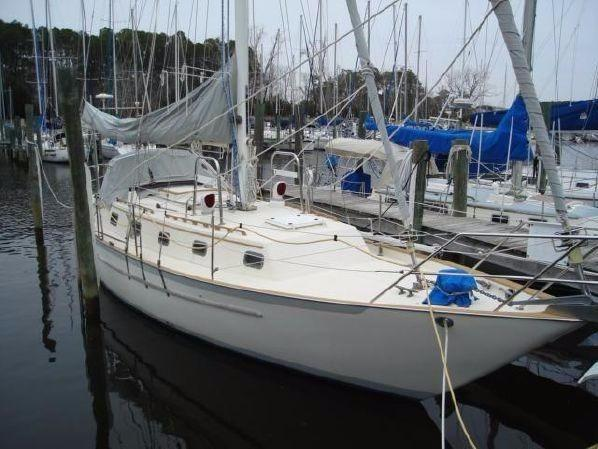 37' Pacific Seacraft 1991 37 Crealock