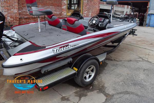 2012 Triton boat for sale, model of the boat is 18XS & Image # 18 of 46