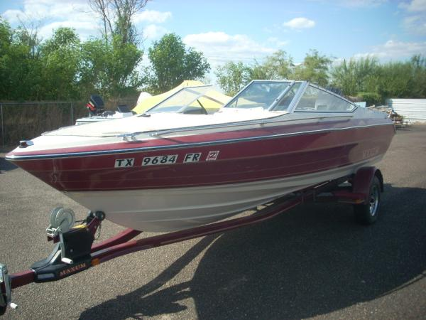 1990 Maxum 2100 XR Outboard Bowrider For Sale
