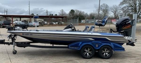 2014 Skeeter boat for sale, model of the boat is FX 20 & Image # 2 of 8