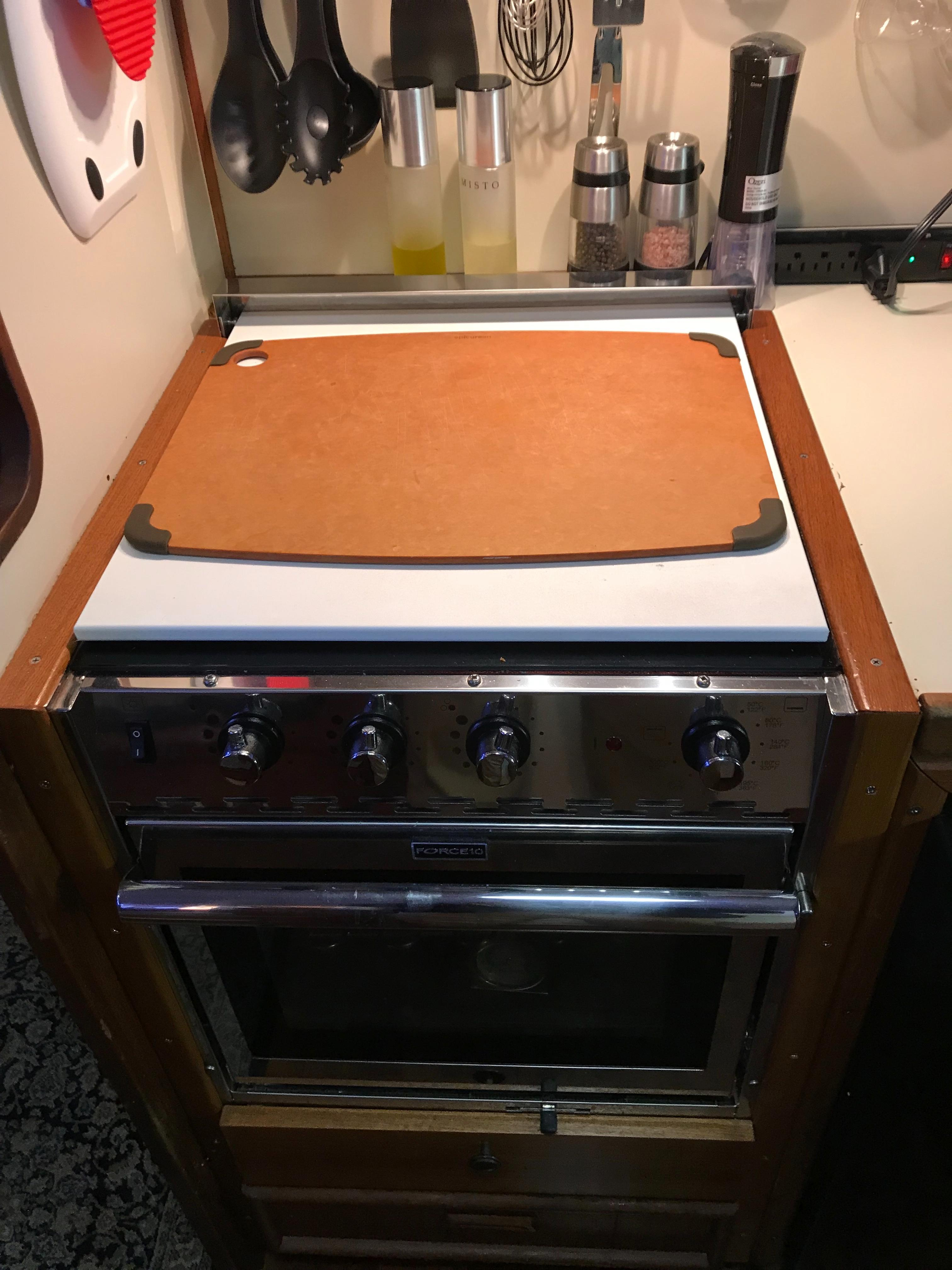 Chris-craft 46 Constellation - Electric Stovetop w/oven