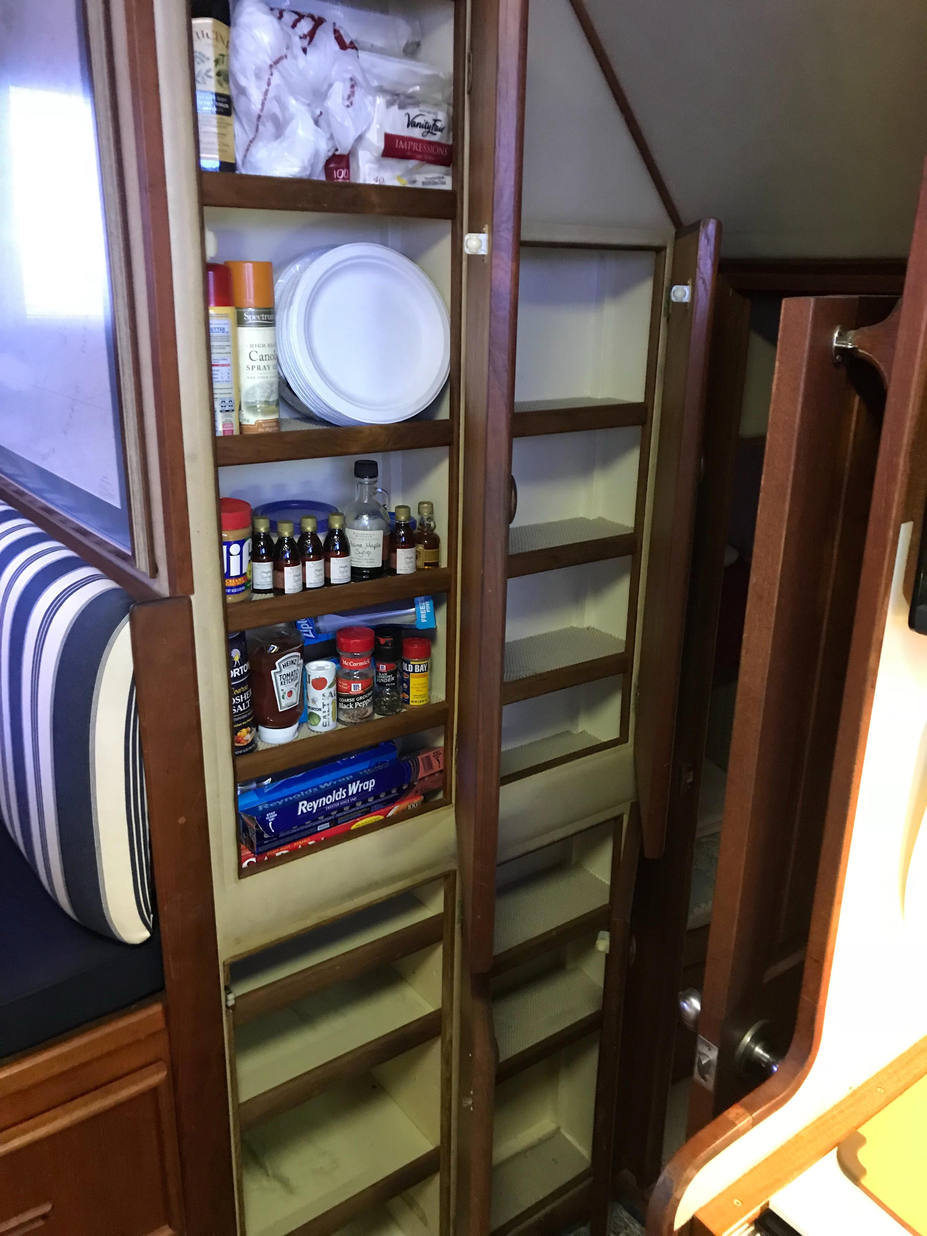 Chris-craft 46 Constellation - Pantry in Galley