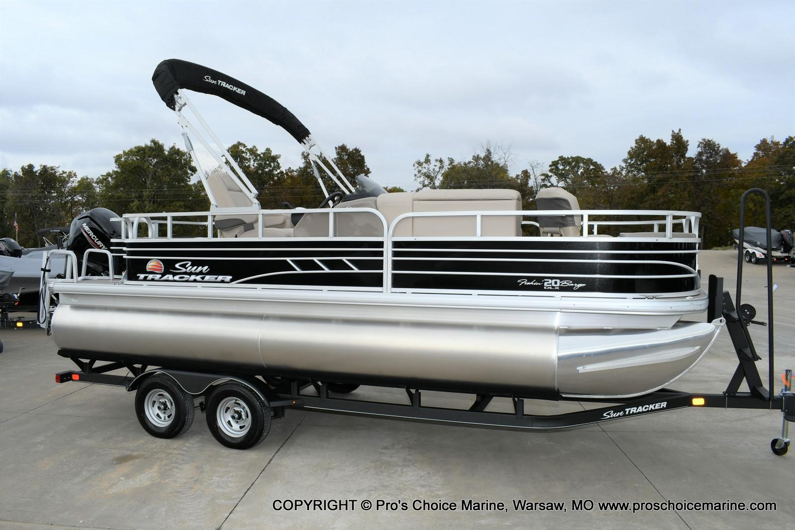 2020 Sun Tracker boat for sale, model of the boat is Fishin' Barge 20 DLX & Image # 12 of 50