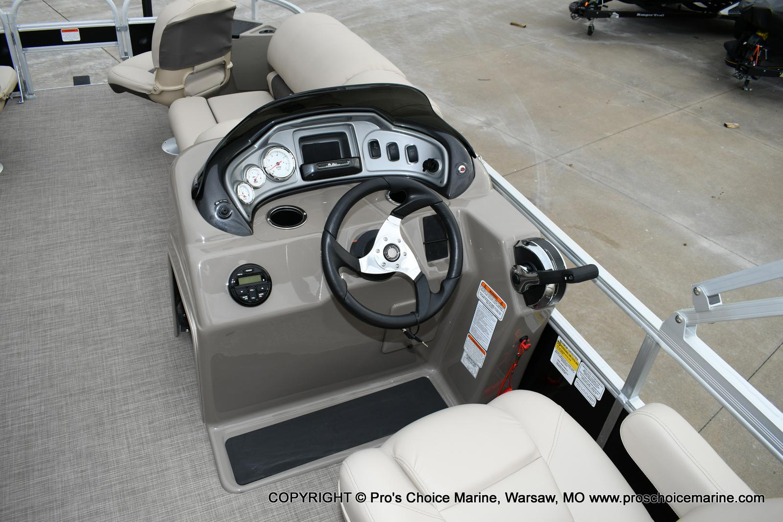 2020 Sun Tracker boat for sale, model of the boat is Fishin' Barge 20 DLX & Image # 22 of 50