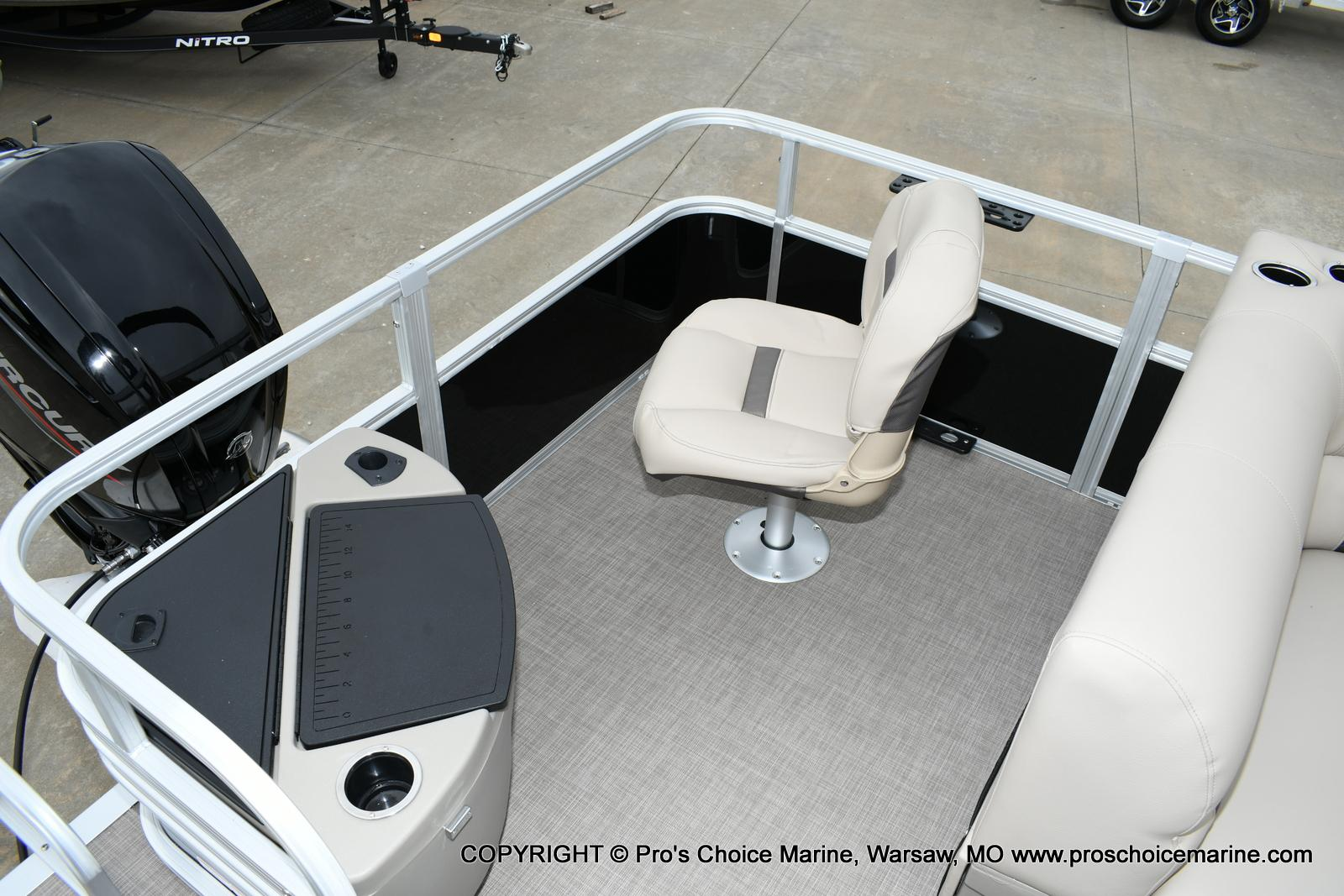 2020 Sun Tracker boat for sale, model of the boat is Fishin' Barge 20 DLX & Image # 23 of 50