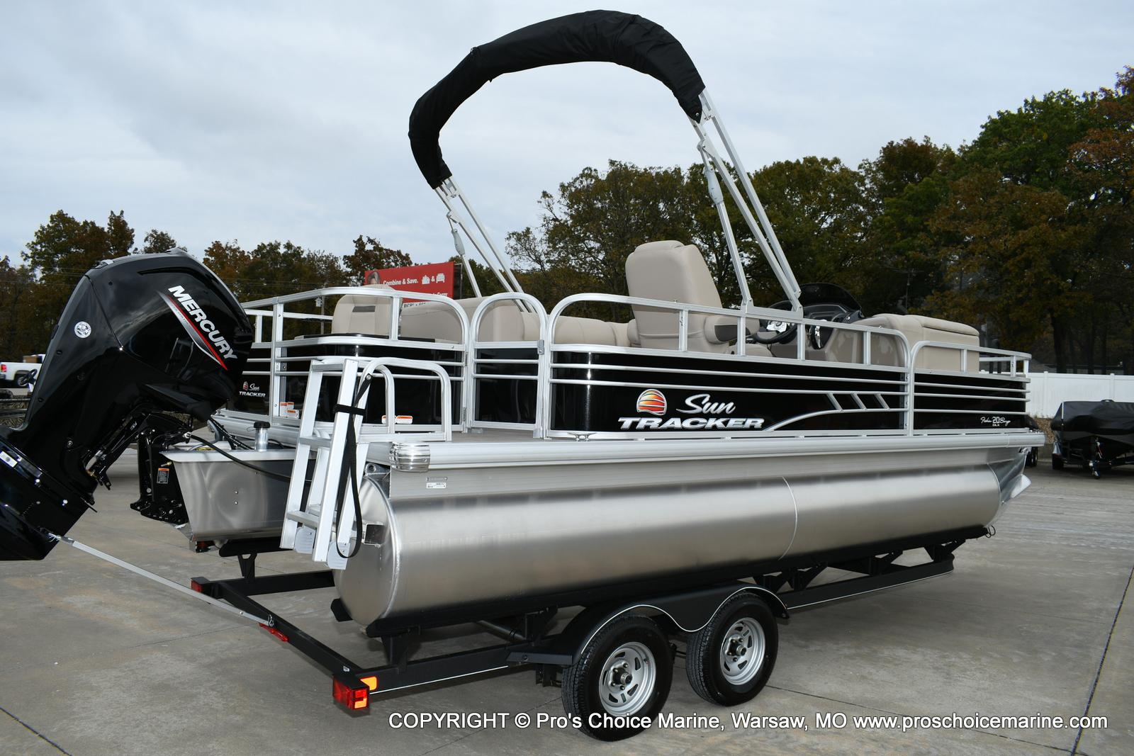 2020 Sun Tracker boat for sale, model of the boat is Fishin' Barge 20 DLX & Image # 28 of 50