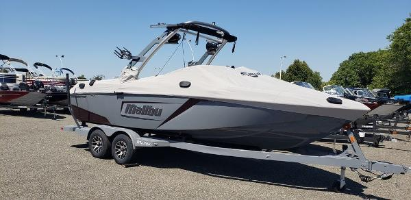 2020 Malibu boat for sale, model of the boat is 23 LSV & Image # 1 of 2
