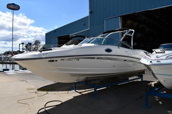 30' Sea Ray 300 Sundeck
