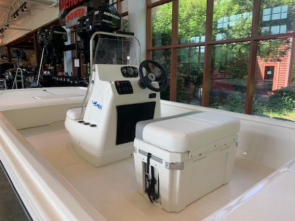 2020 Mako boat for sale, model of the boat is Pro Skiff 19 CC & Image # 4 of 53