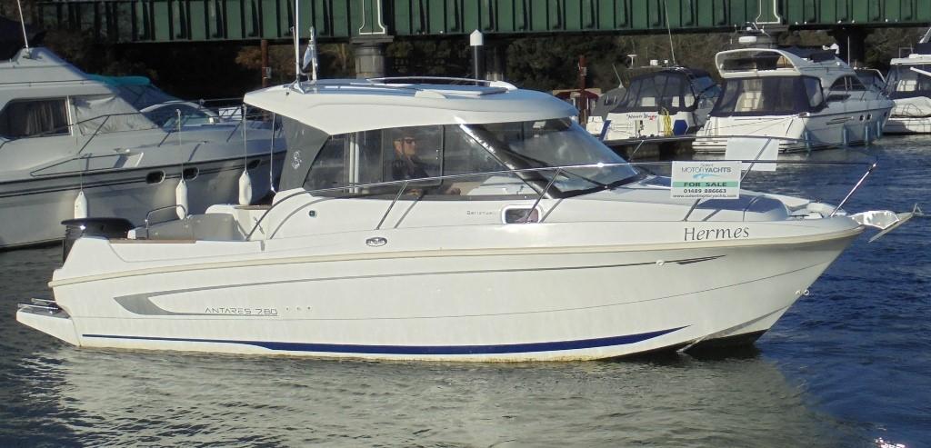 Beneteau Antares 780