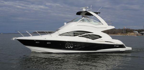 Cruisers Yachts 447 Sport Sedan