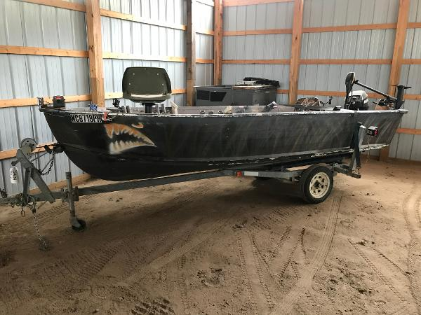 1993 Smoker Craft boat for sale, model of the boat is 140 & Image # 5 of 12