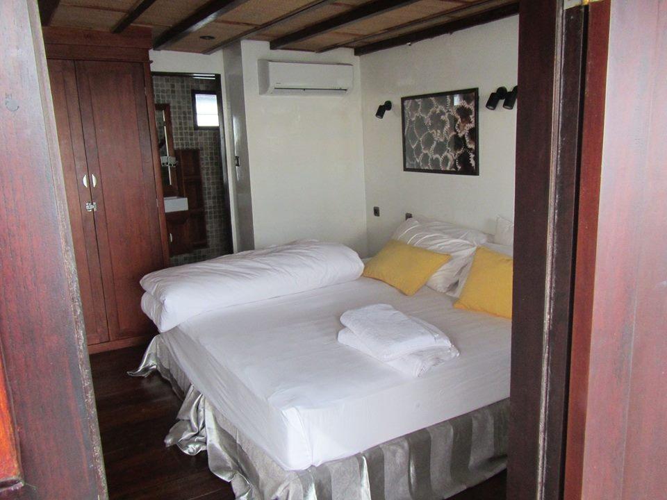 122 ft Bugis Phinisi Deluxe Double Cabin