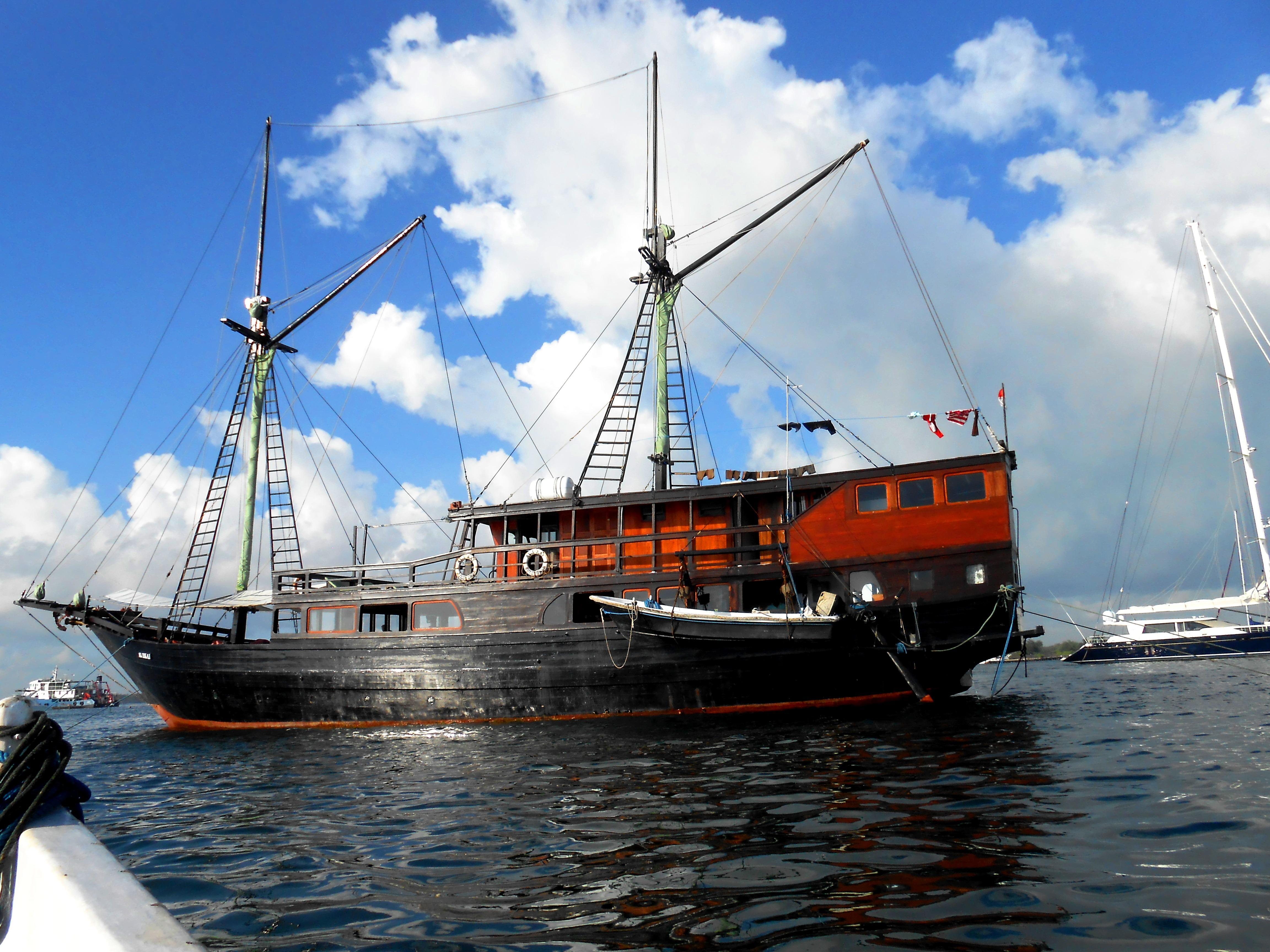 122 ft Bugis Phinisi On her mooring