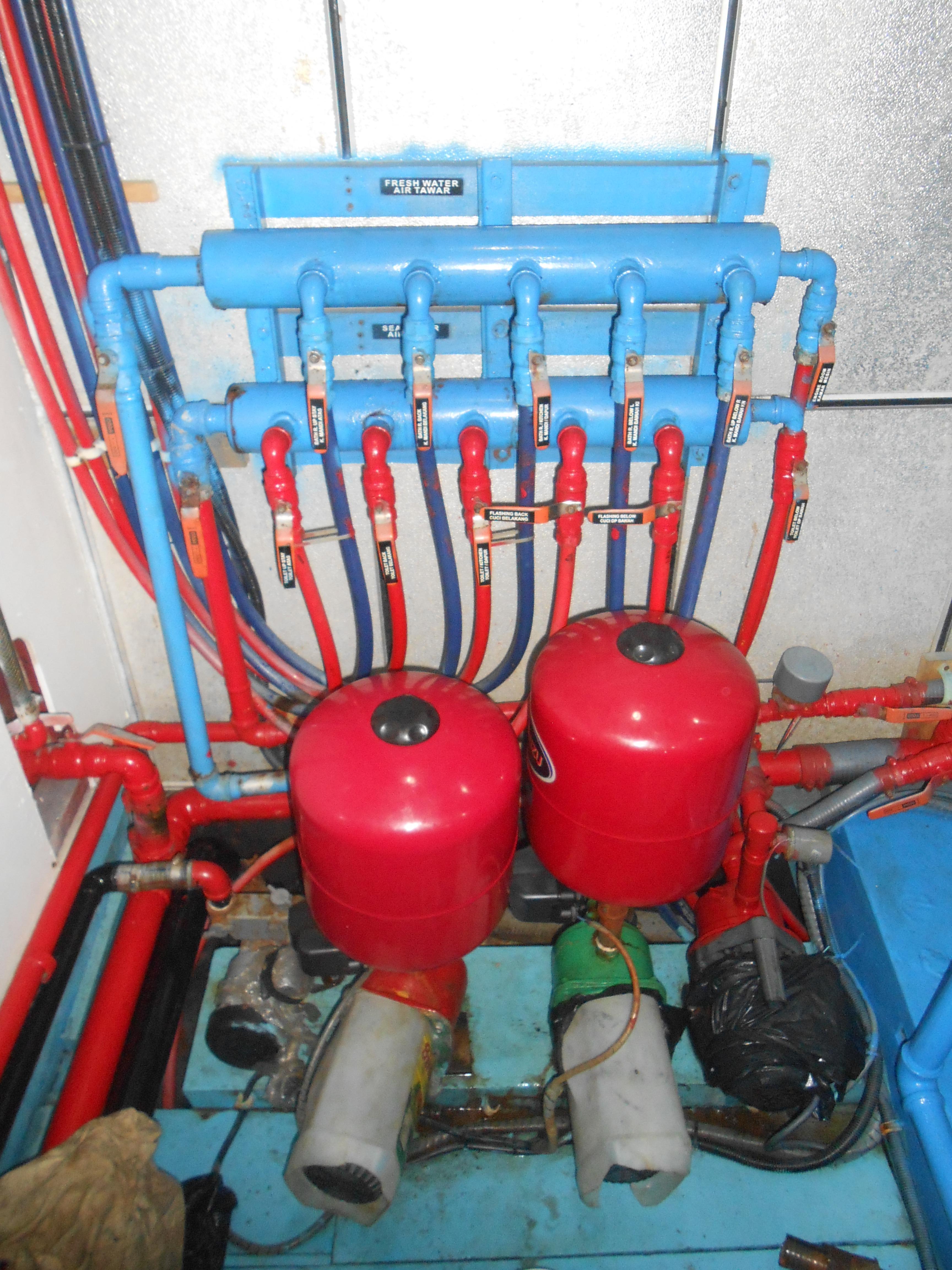 122 ft Bugis Phinisi Water maker