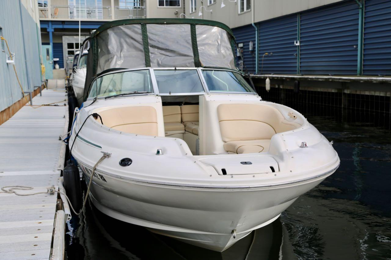 2000 Sea Ray 240 Sundeck