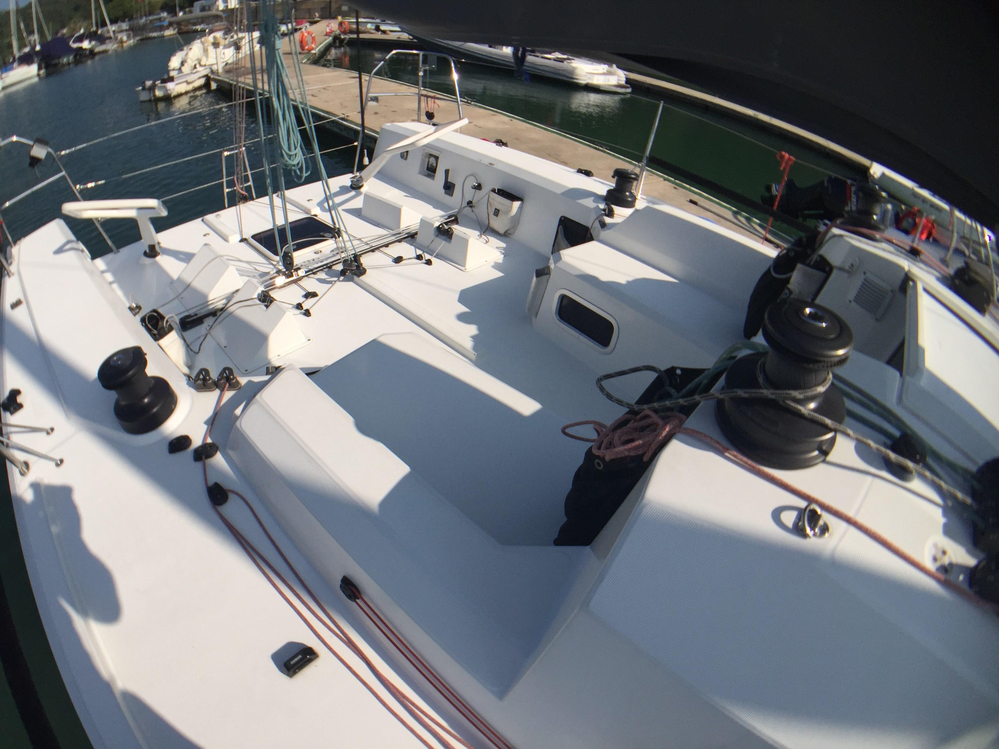Jeanneau Sun Fast 3600 Cockpit