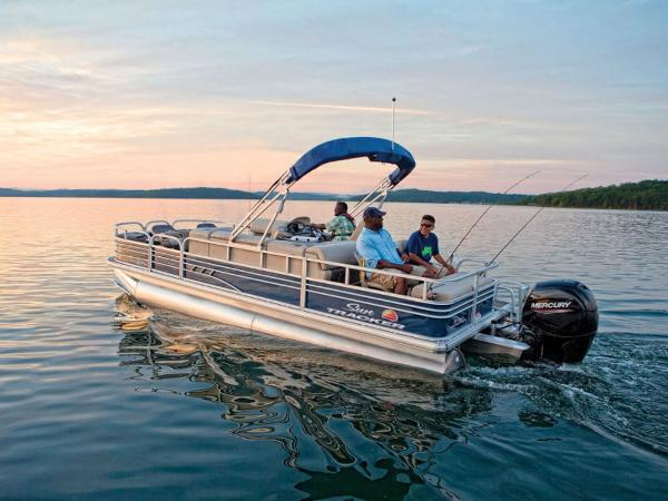 2021 Sun Tracker boat for sale, model of the boat is FISHIN' BARGE® 22 DLX & Image # 1 of 1
