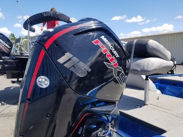 2019 Nitro boat for sale, model of the boat is Z17 & Image # 7 of 10