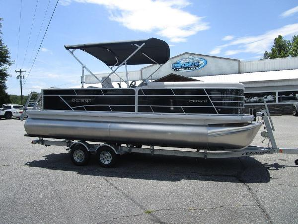 Godfrey Pontoon Boats For Sale - Page 1 of 3 | Boat Buys