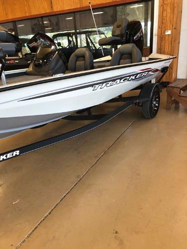 2021 Tracker Boats boat for sale, model of the boat is Pro Team 175 TXW® Tournament Ed. & Image # 1 of 12