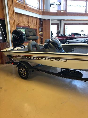 2021 Tracker Boats boat for sale, model of the boat is Pro Team 175 TXW® Tournament Ed. & Image # 12 of 12