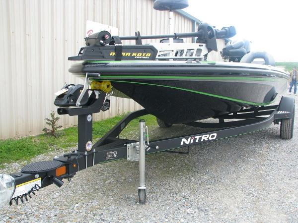 2019 Nitro boat for sale, model of the boat is Z18 & Image # 3 of 40
