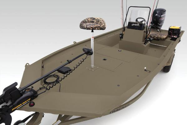 2019 Tracker Boats boat for sale, model of the boat is Grizzly 1860 CC Sportsman & Image # 7 of 94