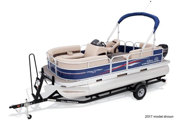 2018 Sun Tracker boat for sale, model of the boat is Party Barge 18 DLX & Image # 3 of 6