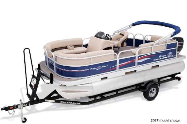 2018 Sun Tracker boat for sale, model of the boat is Party Barge 18 DLX & Image # 4 of 6