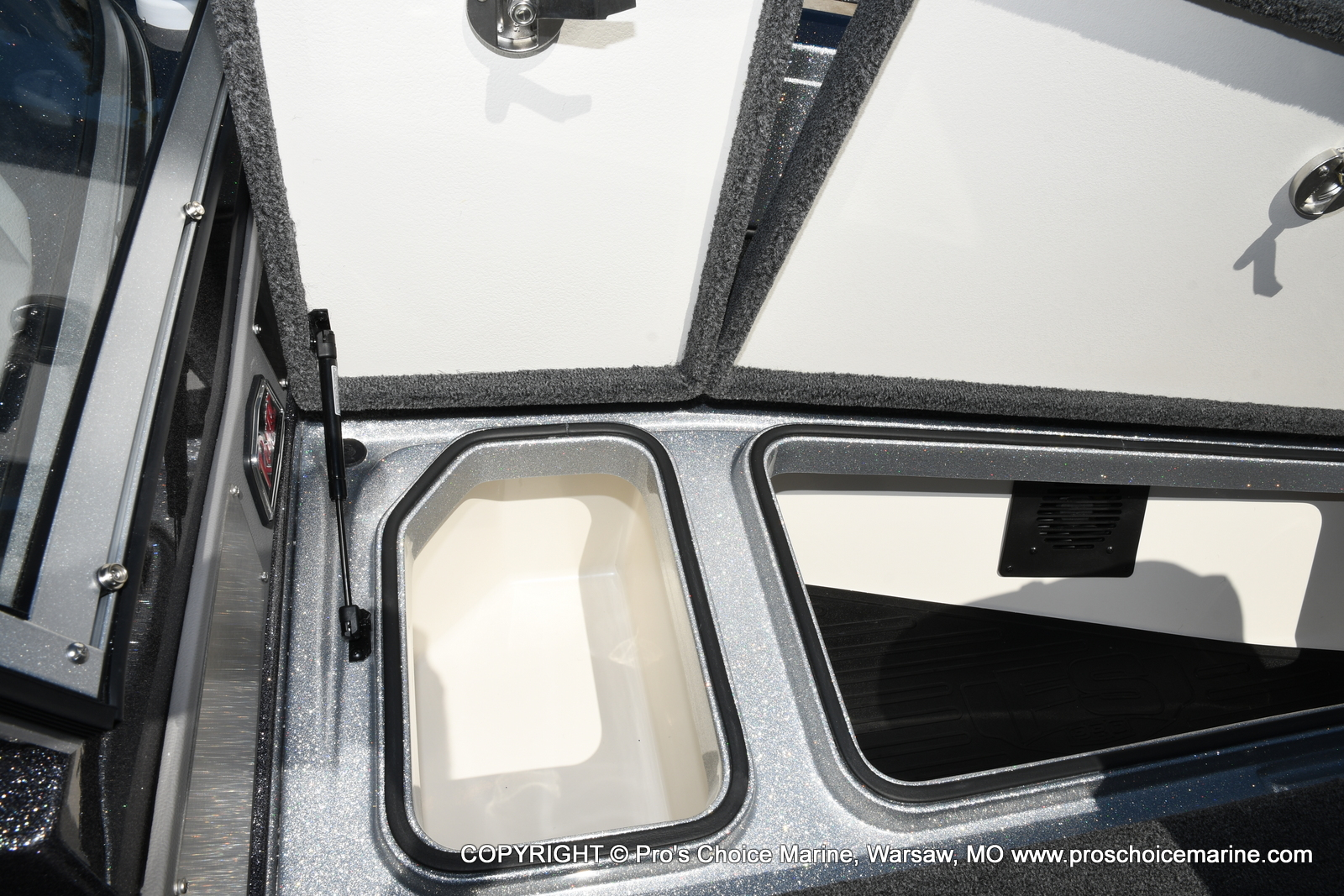 2021 Ranger Boats boat for sale, model of the boat is 620FS Pro w/300HP Verado & Image # 23 of 50