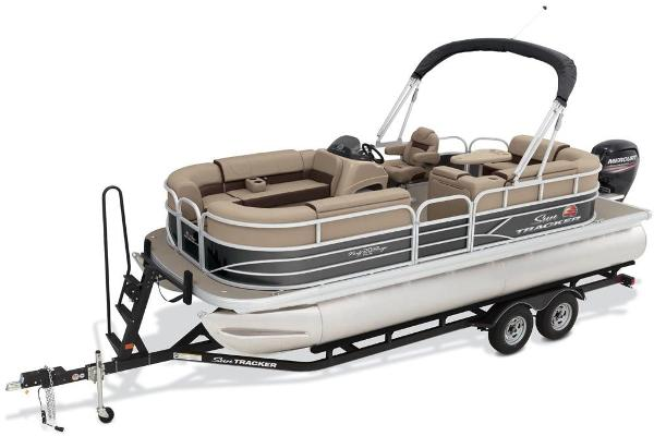 2018 Sun Tracker boat for sale, model of the boat is Party Barge 20 DLX & Image # 3 of 8