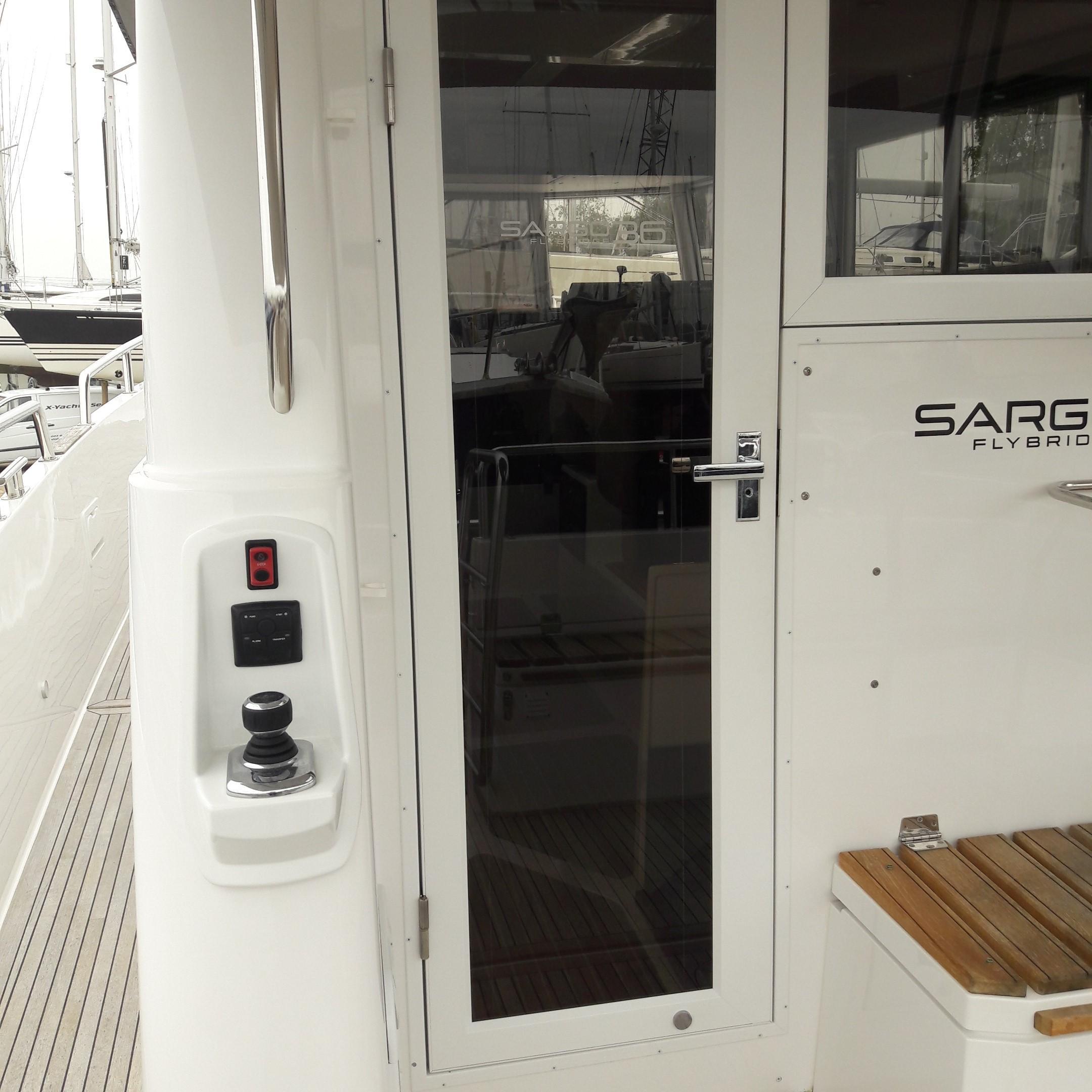 Sargo 36 Fly aft door showing external steering pod