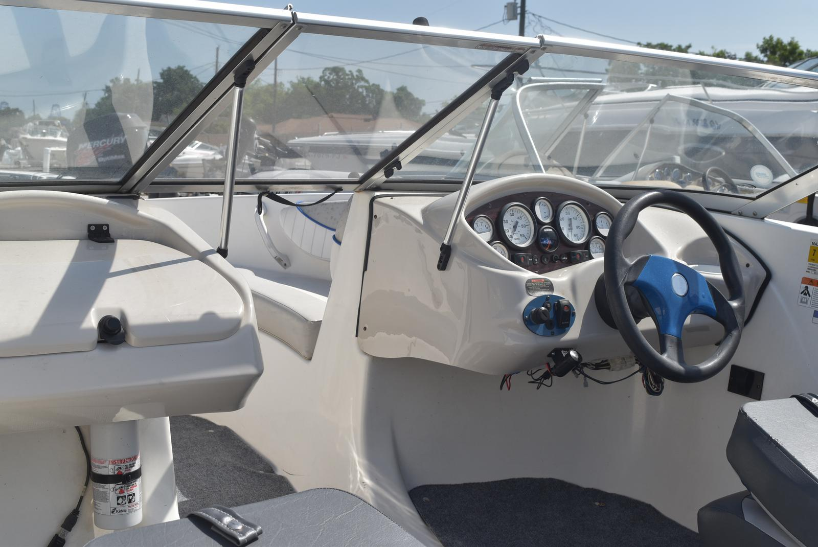 2006 Glastron boat for sale, model of the boat is MX 175 & Image # 9 of 21