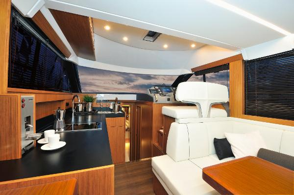 Bavaria Virtess 420 Fly BoatsalesListing Maine