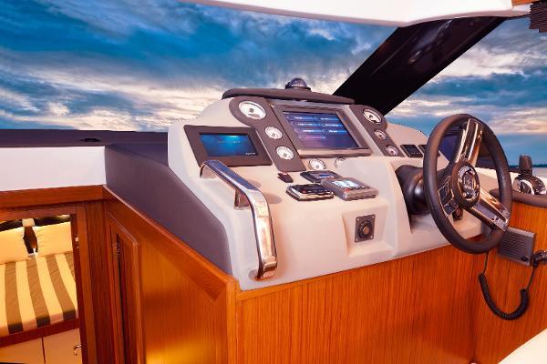 Bavaria Virtess 420 Fly Buy BoatsalesListing