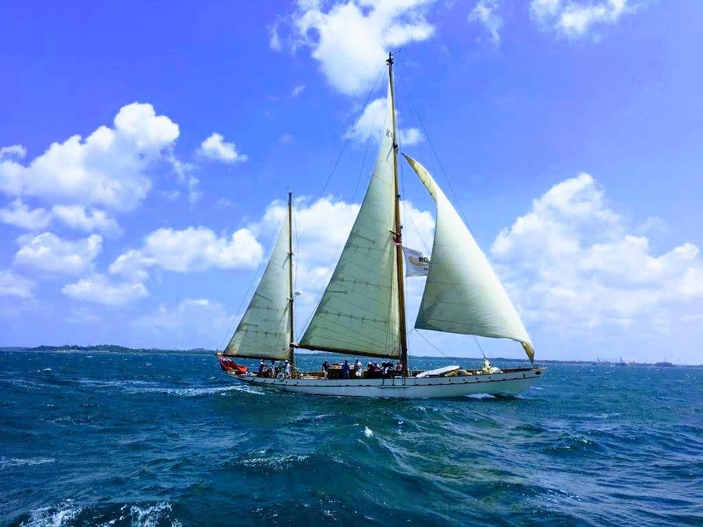 Stow and Sons Classic Yacht-4