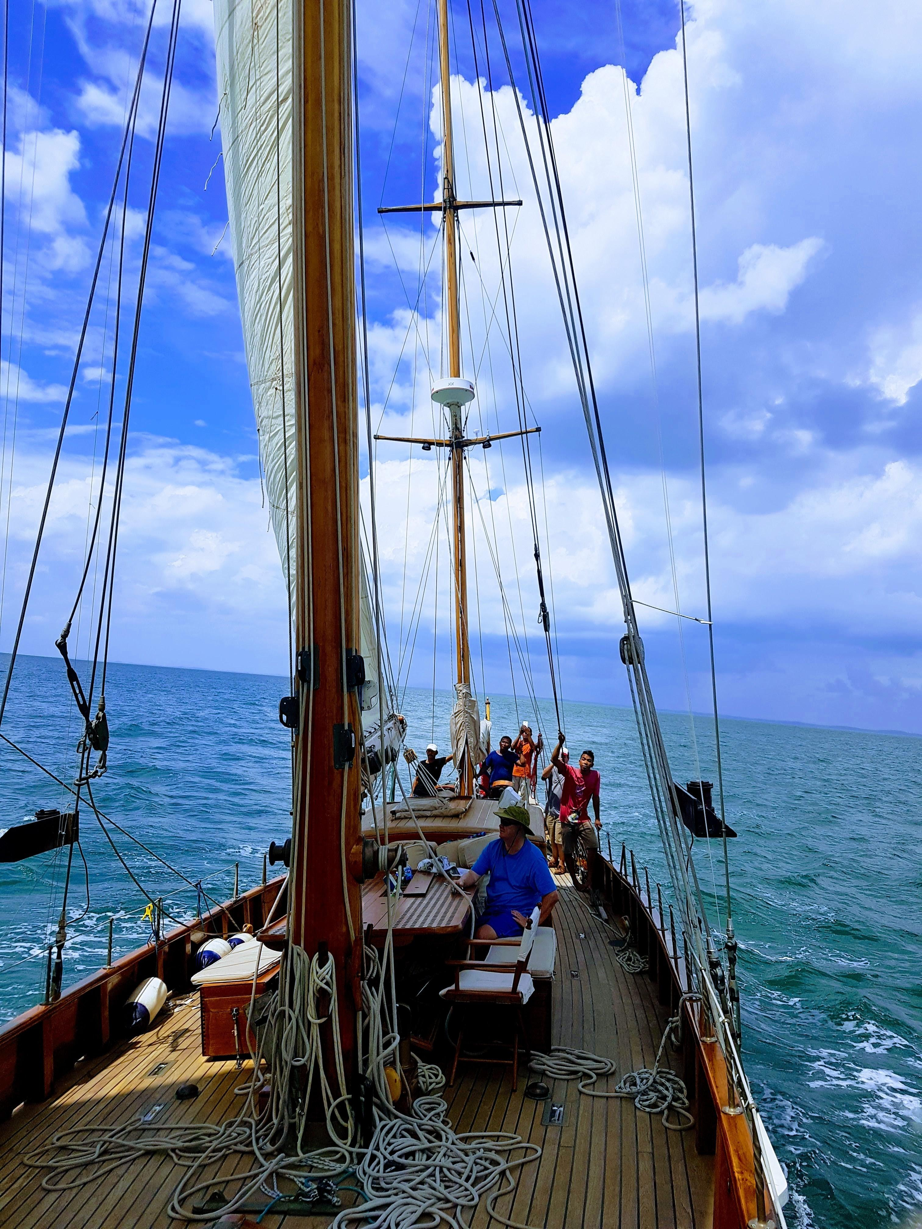 Stow and Sons Classic Yacht-11