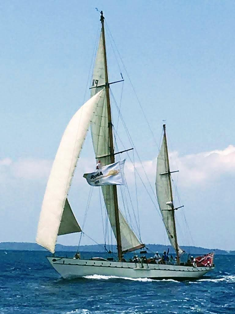 Stow and Sons Classic Yacht-7