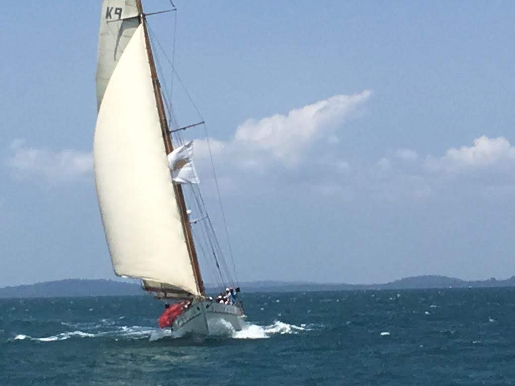 Stow and Sons Classic Yacht-8