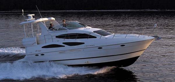 Cruisers Yachts 4050 Express - Manufacturer Provided Image: 4050 Express