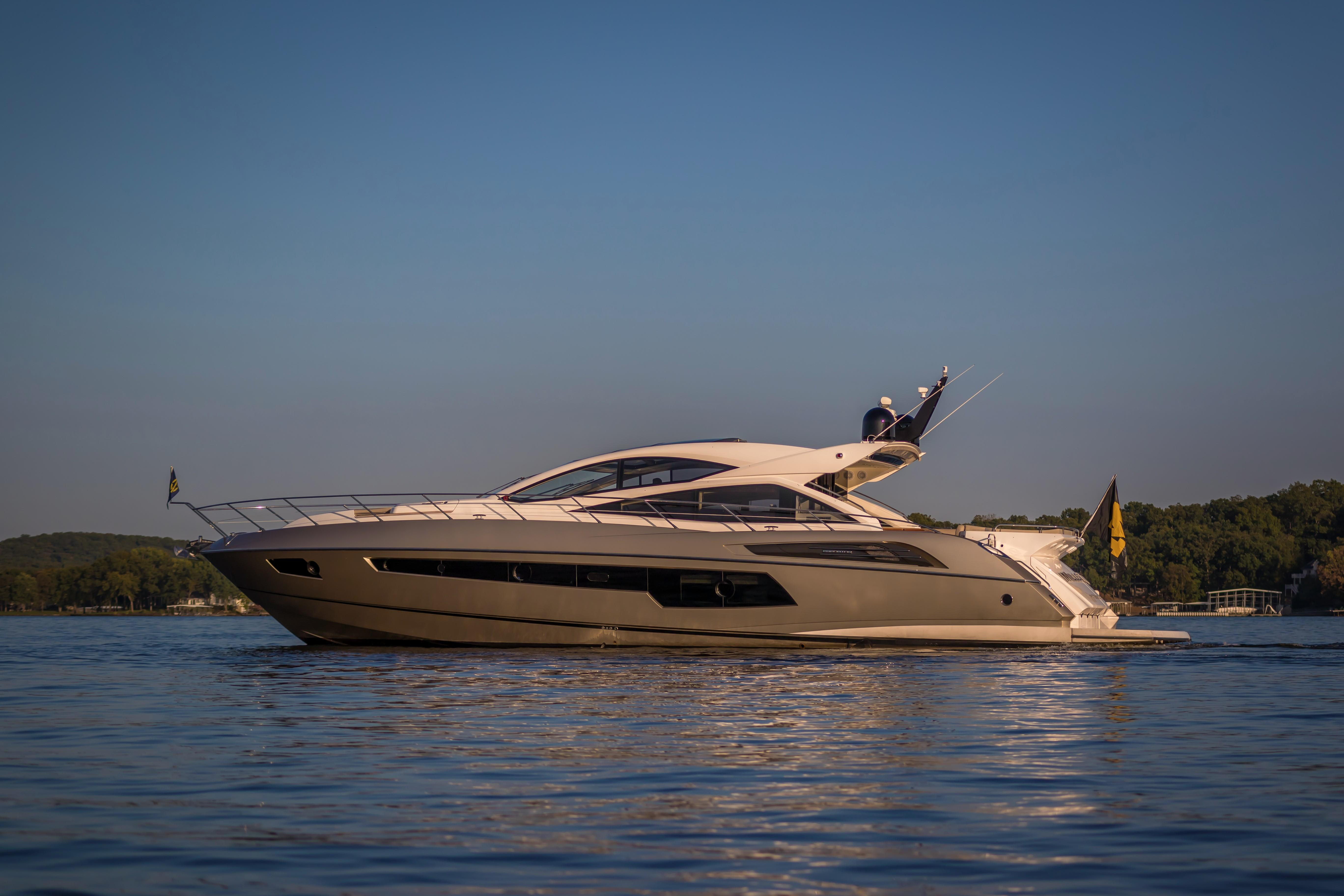 2014 sunseeker predator 68 yacht for sale in lake ozark  mo