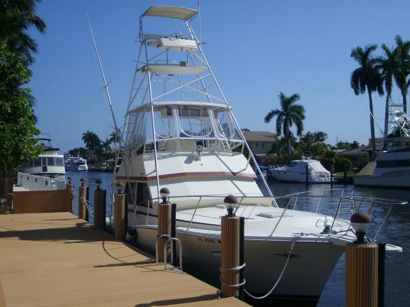 1986 Viking Yachts 41 sf convertible. Location: ft.lauderdale US. $109000.00